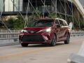 Toyota Sienna XSE: минивэн с условно спортивным настроем